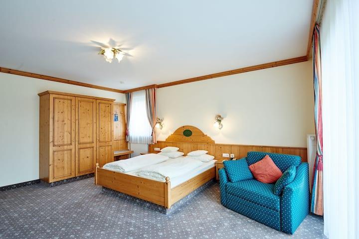 Hotel am See (Neutraubling), Classic Doppelzimmer mit kostenfreiem Parkplatz