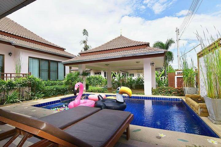 HuaHin House Pool Villa/10 min go to the beach