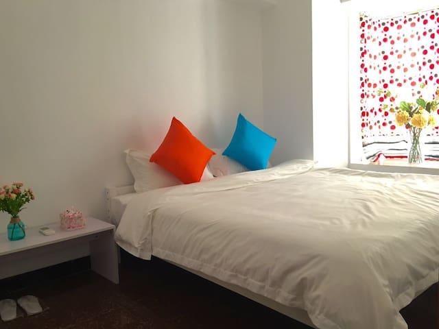 靠近岭南天地,距离祖庙地铁站B出口只有20米的两房公寓 - Foshan - Apartament