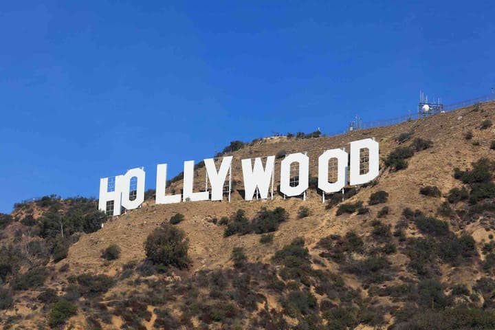 HOLLYWOODS TOP TOURIST ATTRACTIONS 35 MIN AWAY!