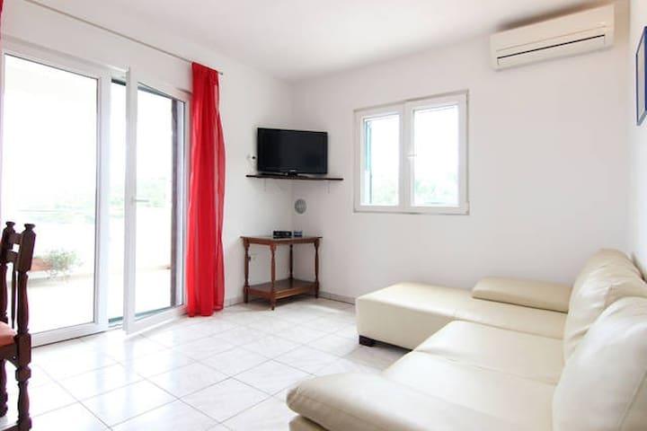 Apartment Dario - C - Donje Selo - Apartment