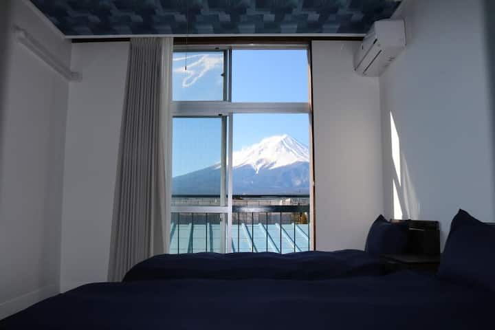 Fuji Guest House Ao Twin Room with Mountain View