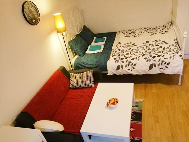 Cozy studio near Kaleva church& railway station
