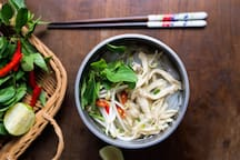 Must – eat¨ foods: ¨Phở¨ (Noodles)
