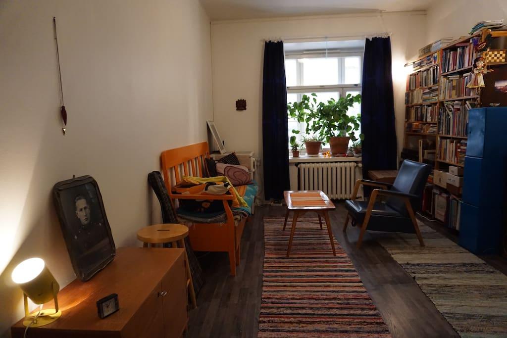 Room 2 (from the bed) / Huone 1 (sängystä katsottuna)
