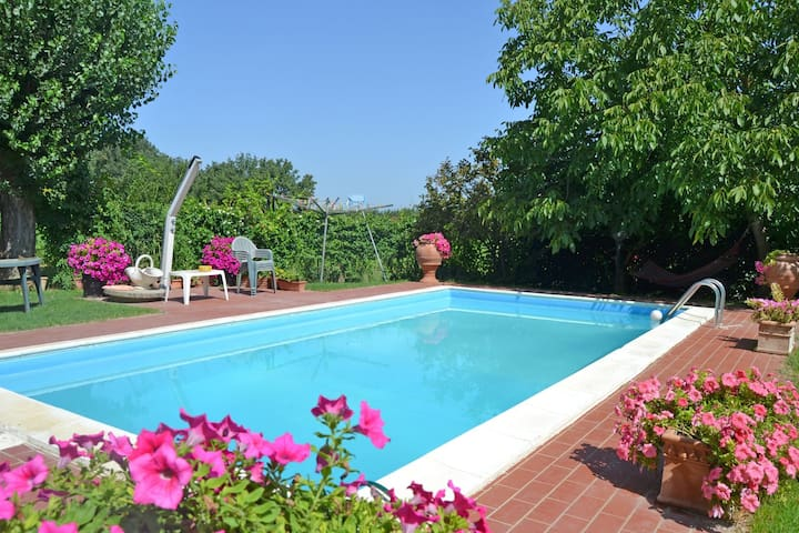 Casa Laura - Holiday Rental in Montecchio, Tuscany