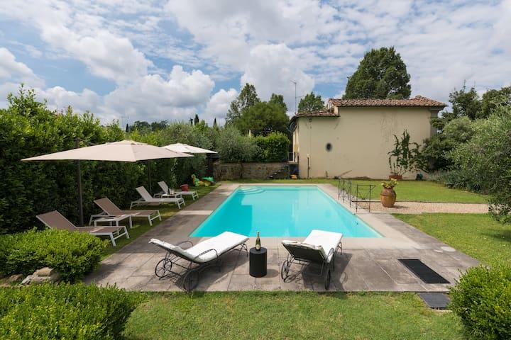 Résidence privée dans Villa Martelli du XVesiècle