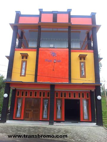 Huni Raya Hotel - Pasuruan - Villa