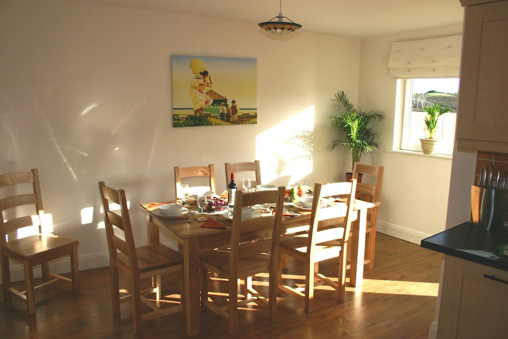 Great Dinning Area for Entertaining and Runs Onto Outside Deck Area, Perfect for BBQ's During The Summer