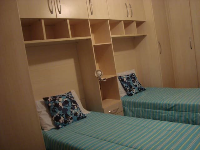 1 bedroom for tourists or students