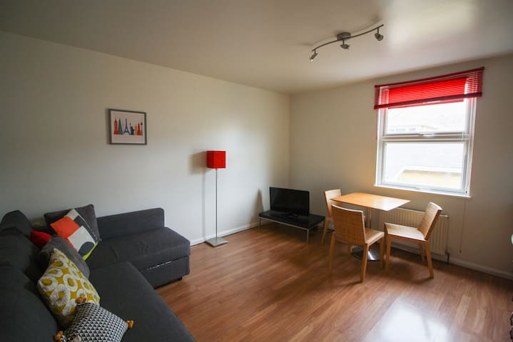 1BD flat up to 4 people close to Hampstead Heath