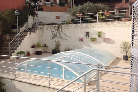 103D - Villa con piscina privada en Riudecanyes - Riudecanyes - Huvila