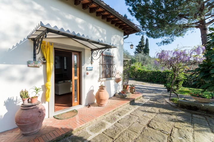 Charming house overlooking Firenze - fiesole - วิลล่า