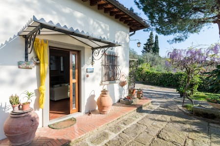 Charming house overlooking Firenze - fiesole - 别墅