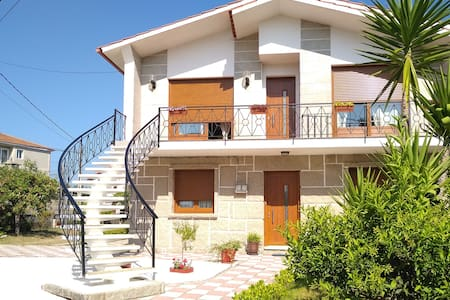 Bonito apartamento en playa Montalvo