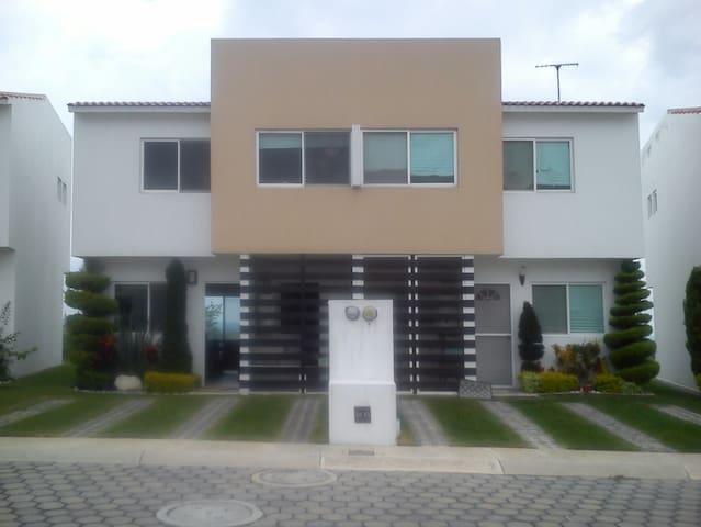 Renta de Hermosa Casa Amueblada cerca de Oaxtepec - Atlatlahucan - Casa