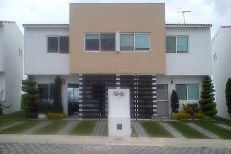 Renta de Hermosa Casa Amueblada cerca de Oaxtepec - Atlatlahucan