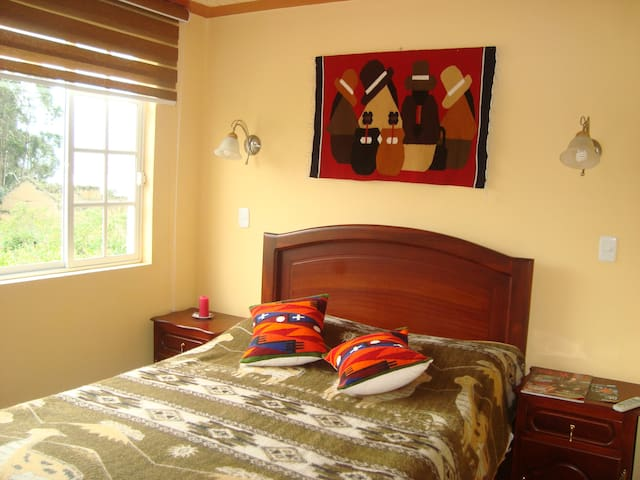 "La Casa de ""Luis"" with Lake & Mountains views - Otavalo - Apartment"