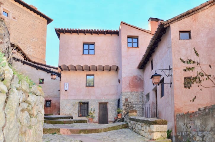 Cozy apartment in the old village of Albarracín - Albarracín - Leilighet