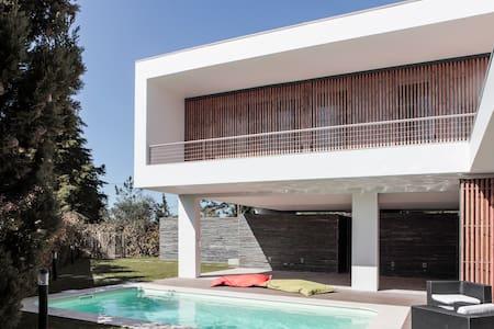 Fabulous family villa in Meco beach, Sesimbra