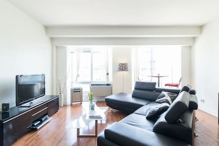 Best 2 BEDROOMS Old Montreal & DWT - Montreal - Appartement