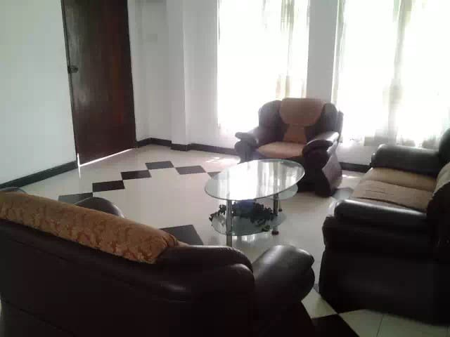 Dhamubugahawatte Apartment - Sri Jayawardenepura Kotte - Apartamento