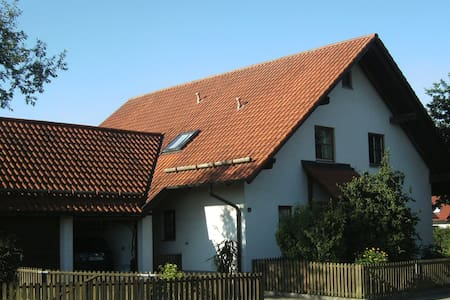 B & B bei Stephan # 2 - Memmingerberg - Bed & Breakfast