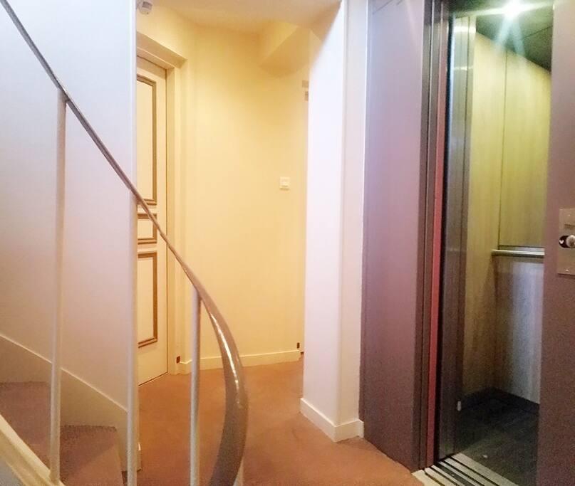 Elevator and corridor (building in excellent conditions)