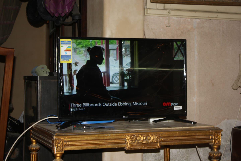 LCD TV, satellite