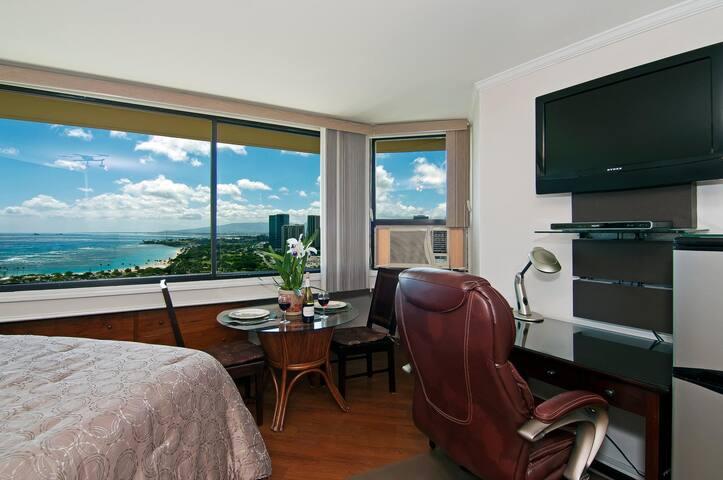 Panoramic Ocean View - $79 - Free Parking - 2402