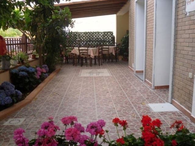 B&B Sa Marina - La Caletta - Bed & Breakfast