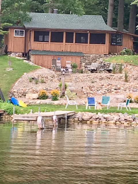 Romantic log cabin on the lake