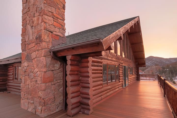 Beautiful Log Home-Spectacular View - เอสเตสพาร์ค