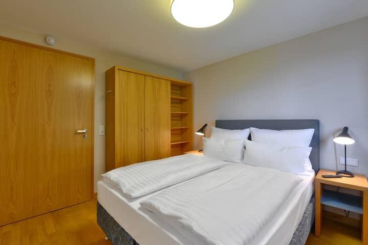Vogelsburg (Volkach), Doppelzimmer Kabinett mit luxuriösem Boxspring-Bett