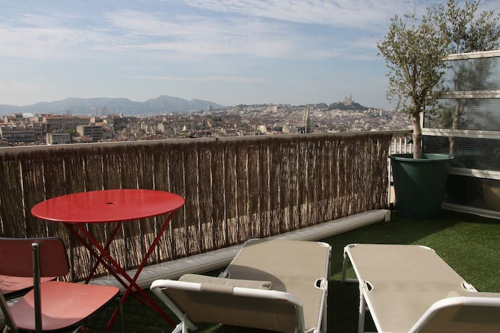 studio apartment with large terrace - Marselha - Apartamento