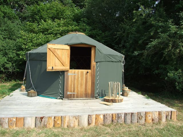 'Oak' Yurt in West Sussex - Fernhurst