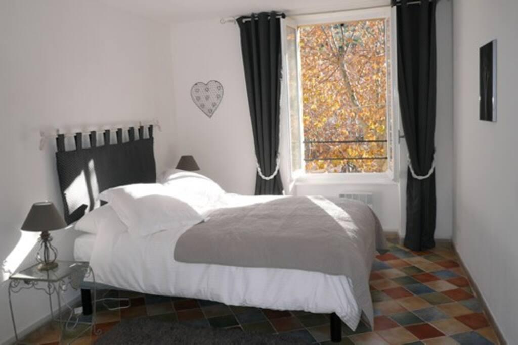 Les Oliviers bedroom.