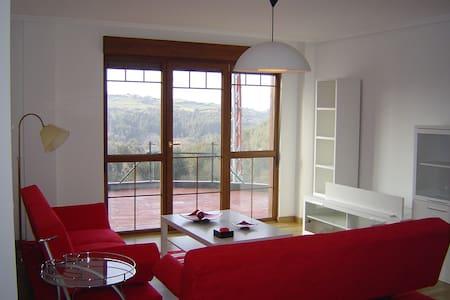 Coqueto apartamento con jardin - Cóbreces - Pis