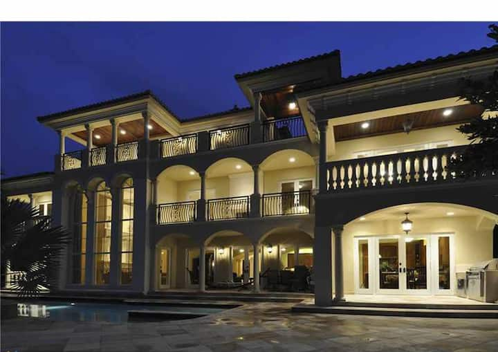 Las Olas Waterfront Mansion