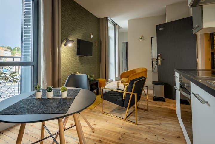 Suite-2 personnes-Superior-Ensuite with Bath-Balcony