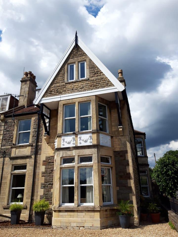 Elegant, Spacious Three Storey Victorian Villa