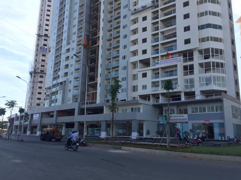 Front of the Phoniex Apartment