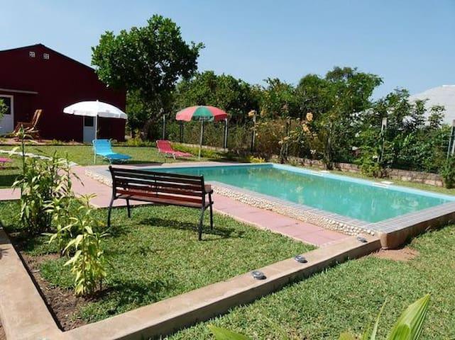 Espaço rural com piscina