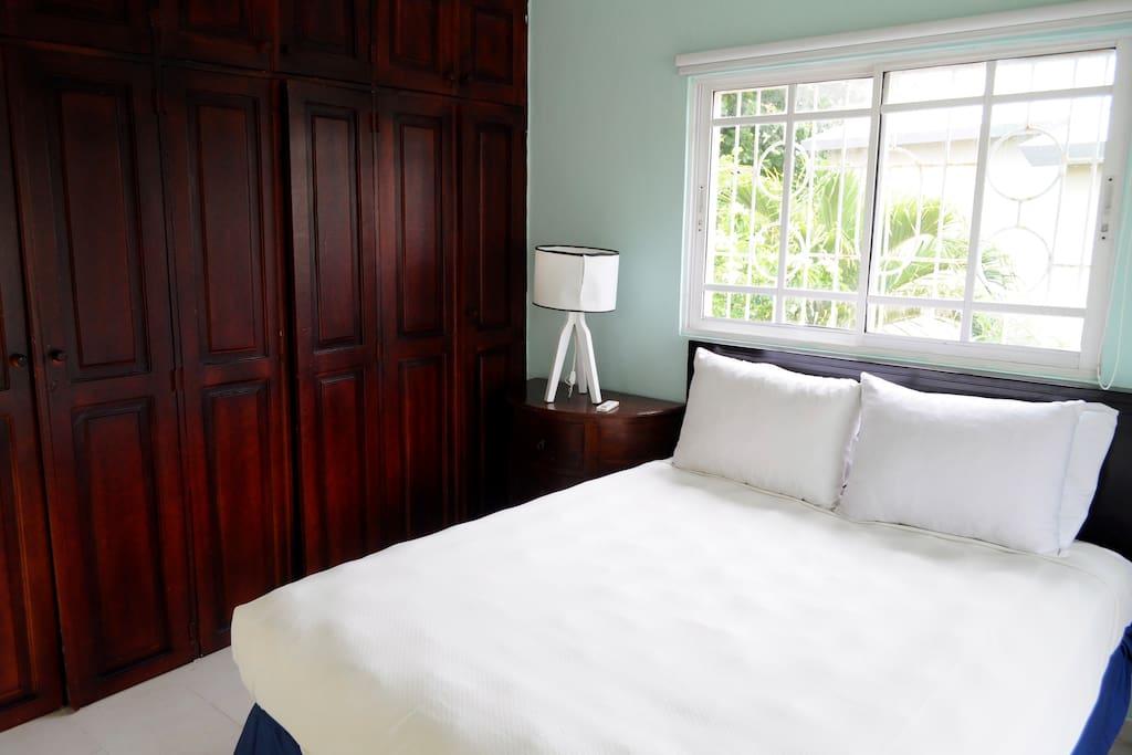 Dormitorio - Closet - Cama tamaño Queen  Bedroom - Closet - Queen Size Bed