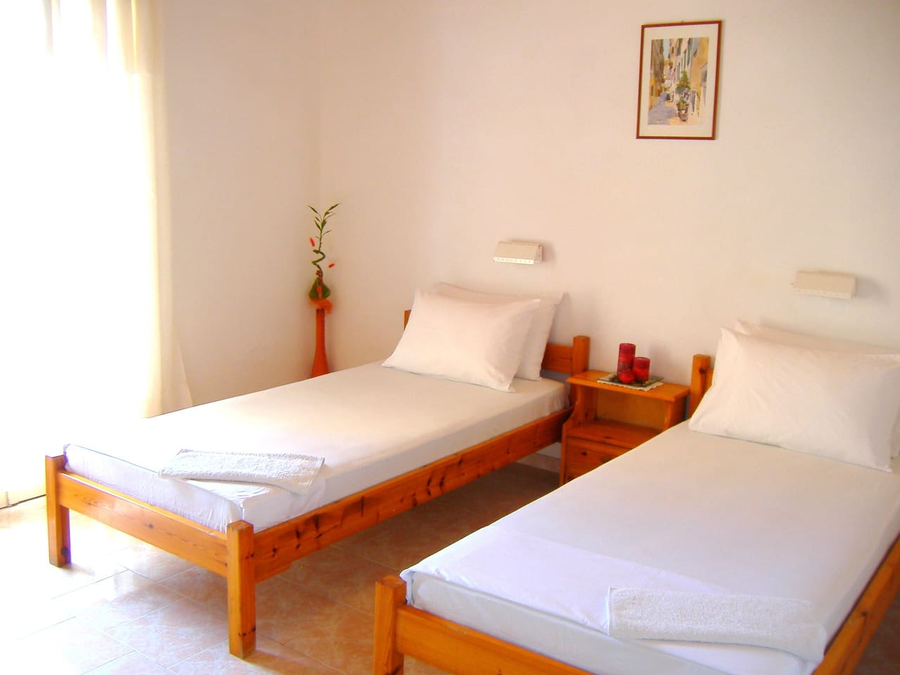 Room Facilities: Bathroom with Shower, Air Conditioning, Balcony, Toilet, Heating, Tea/Coffee Maker, Wake Up Service, Kitchenette, Refrigerator, Work Desk, Kitchen, Seating Area, Free Wi-Fi