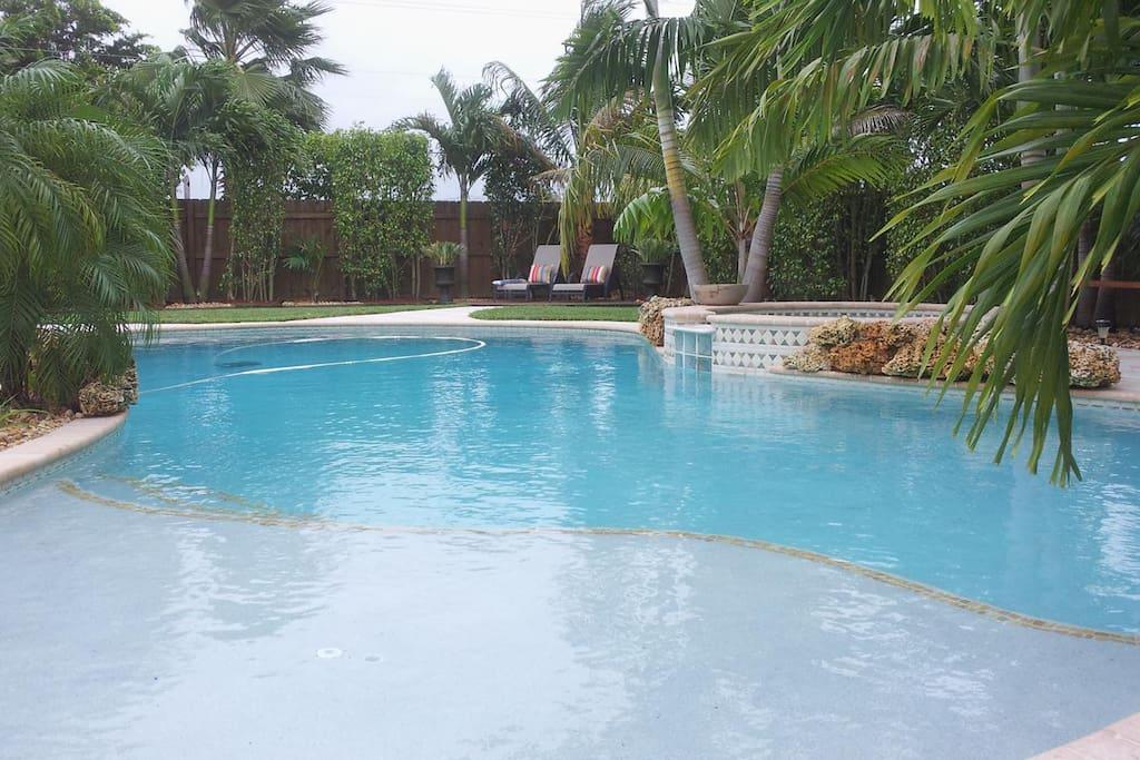 Swimming-Pool & Spa