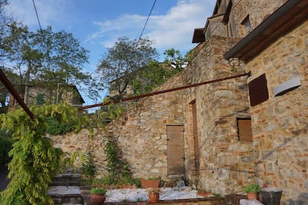 Lovely Retreat in Wild Tuscany - Tatti