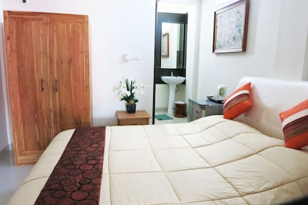 Deluxe room with double bed - Kuta - House
