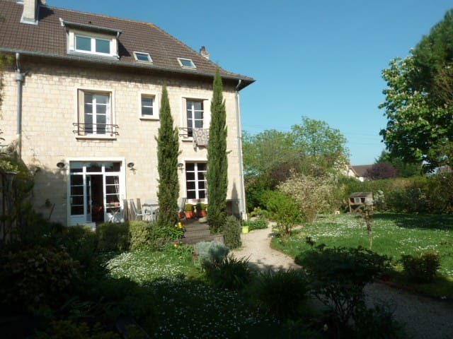 House of 200m²- 5 minutes from Caen - Colombelles - Dům