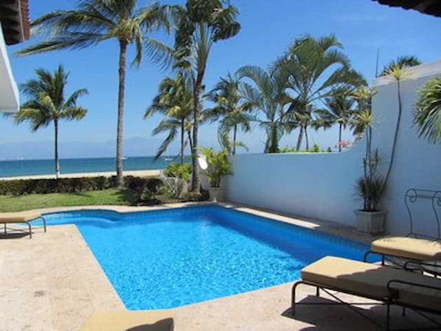 Amazing 2BR 2BA beachfront villa with private pool